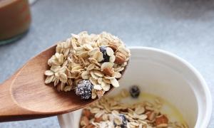 spoon oats