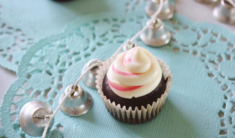 Mini chocolate mint cupcakes