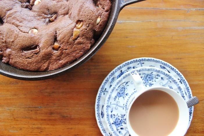tea and brownie
