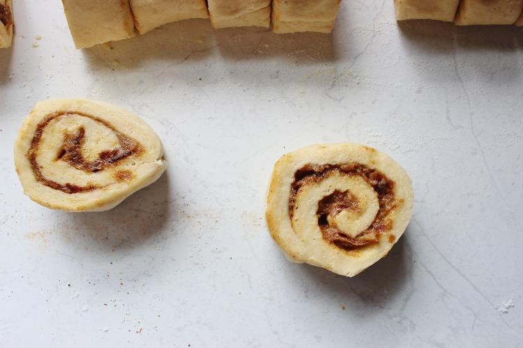 raw scroll cinnamon