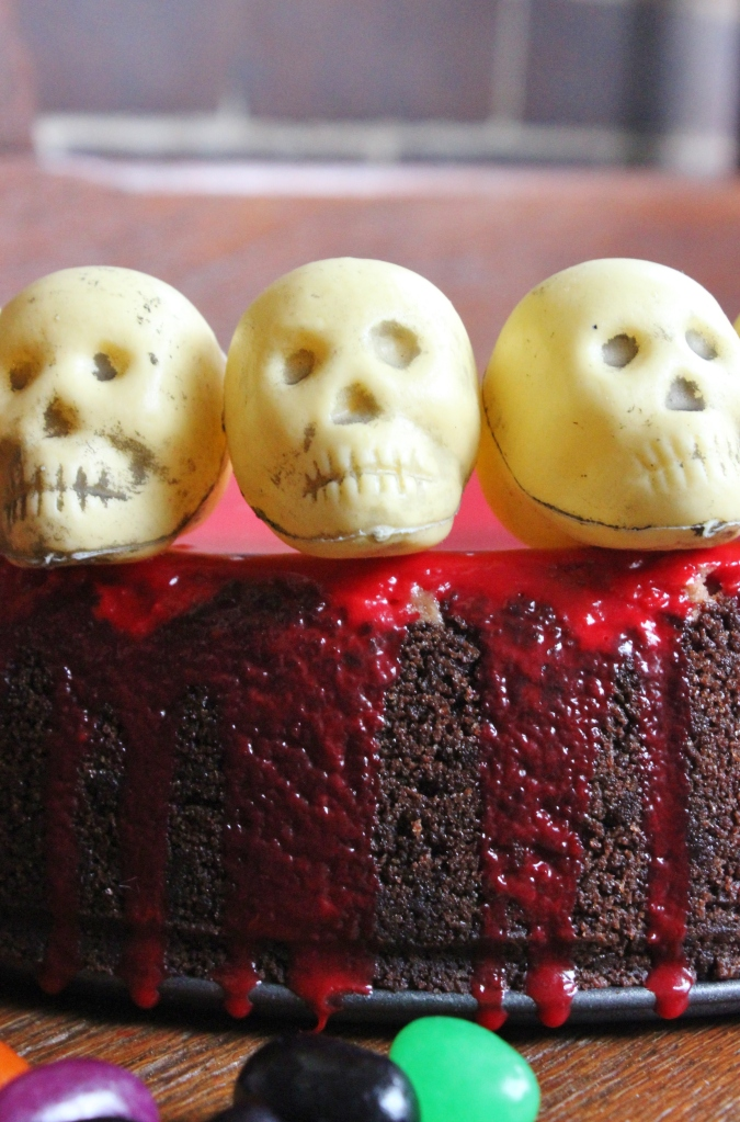 halloween chocolate cheesecake skulls close up