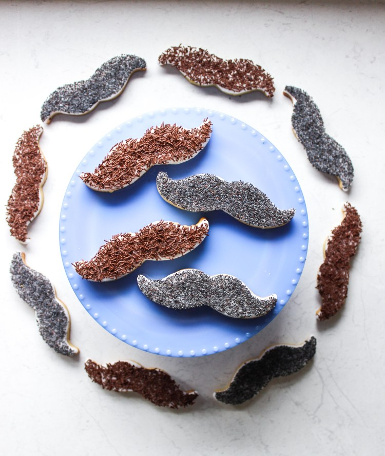 Moustache cupcakes (6 of 16)
